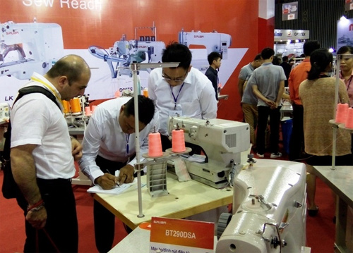 1,000 enterprises attend garment industry expo in HCM City