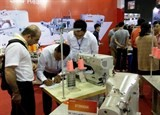 1000 enterprises attend garment industry expo in hcm city