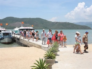Tourism sector seeks ways to boost growth