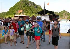 Quang Ninh welcomes over 2.9 million tourists in Q1