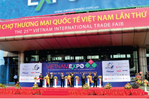 Vietnam Expo  2015 enhances  AEC cooperation