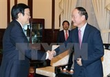 president asks samsung to help with developing support industry