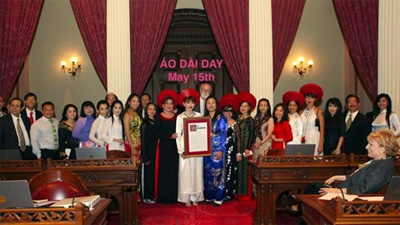 California announces special day for Vietnamese ao dai