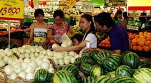 Domestic consumer spending lifts Vietnam's growth