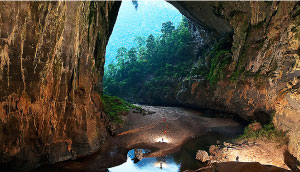 Son Doong,  a future possible tourism brand image