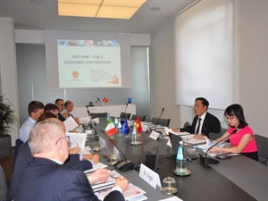Vietnam, Italy step up cooperation on industry