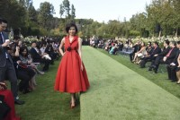 cuongs la vie en rose fashion show in us