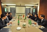 vietnam strengthens links with italys communist parties