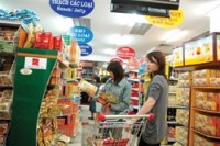 domestic retailers maintain position