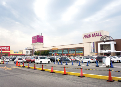 Retail market sees influx of foreign investors