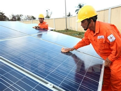 Quang Binh: Solar power project to benefit far-flung areas