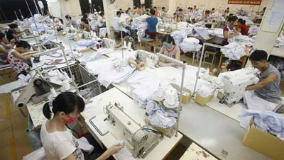 Vietnam mulls lowest minimum-wage bump in 3 years