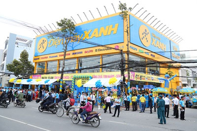 Dien may Xanh becomes largest electronics retail chain