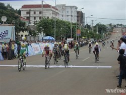that wins first stage of national womens cycling tournament