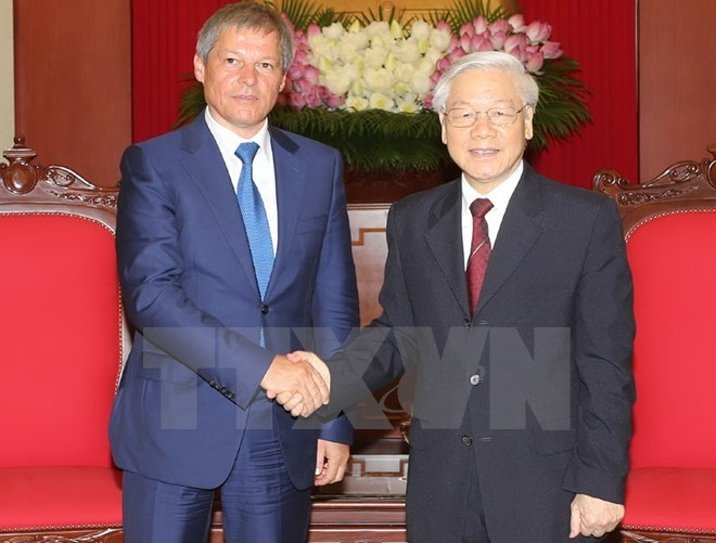 Romanian PM welcomed by Vietnamese top leaders