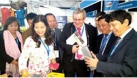 vietnamese goods shine at saitex 2016