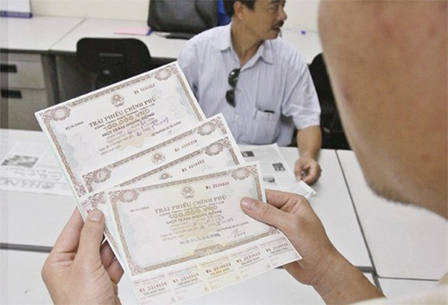 Nearly 6 trillion VND in Government bonds sold