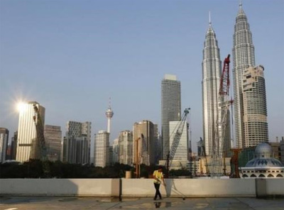 Malaysia considers program to spur economic growth