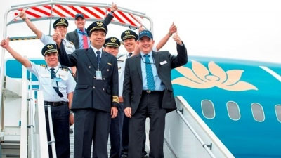 Boeing, Vietnam Airlines sign pilot-training agreement