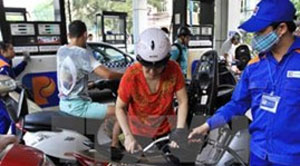 Petrol prices down VND816 per litre