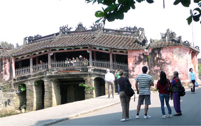 Joining hands for world heritage of Hoi An