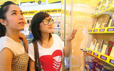 Vietnamese high-tech products still sell well amid foreign products