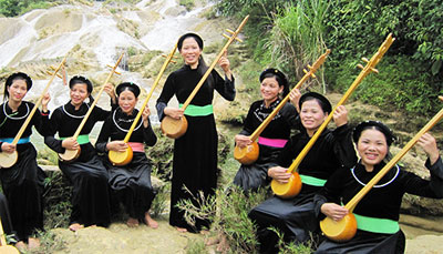 Vietnam to finalise UNESCO-recognition dossier for Then singing by Feb 2016