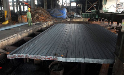 Steel output reaches highest in a decade