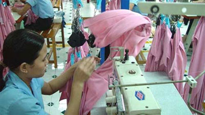 Yarn-forward rules spur investment in textiles