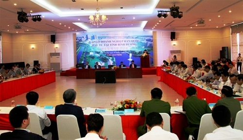 Binh Duong authorities hold dialogue with RoK investors