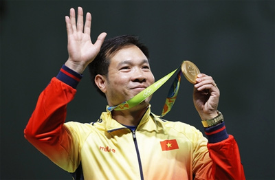 Vinh wins first gold ever for VN in Olympics