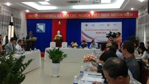 2016 Vietnam Economist Annual Meeting opens in Da Nang
