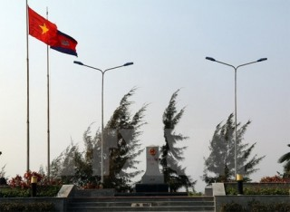 an giang boosts ties with cambodian provinces