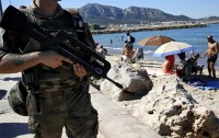 frances tourism industry impacted by terrorist attacks