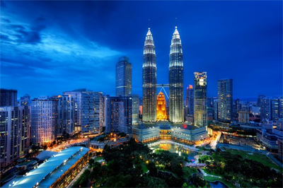 "Malaysia escapes ""middle income trap"""