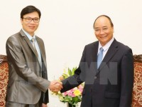 prime minister meets france based vietnamese professor