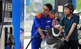 petrol prices cut by nearly 1200 vnd per litre