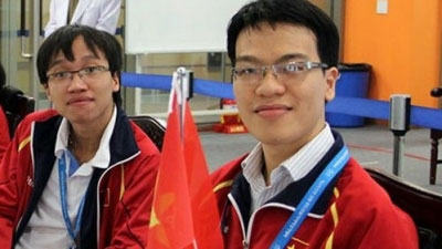 Quang Liem, Truong Son to represent Vietnam at Chess World Cup