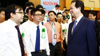 PM urges favourable conditions for young scientists' creativity