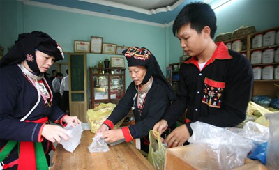 Hanoi's efforts to reduce poverty in ethnic communes pay off
