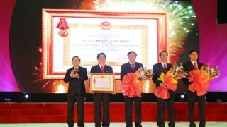 vinaapaco receives first class labour medal
