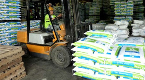 Vietnam imports US$2 billion of animal feed