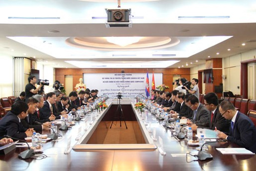 Vietnam, Cambodia boost telecommunication cooperation