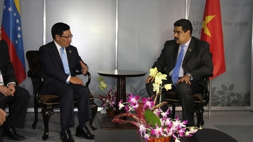 Vietnam eyes stronger multifaceted cooperation with Venezuela, Iraq