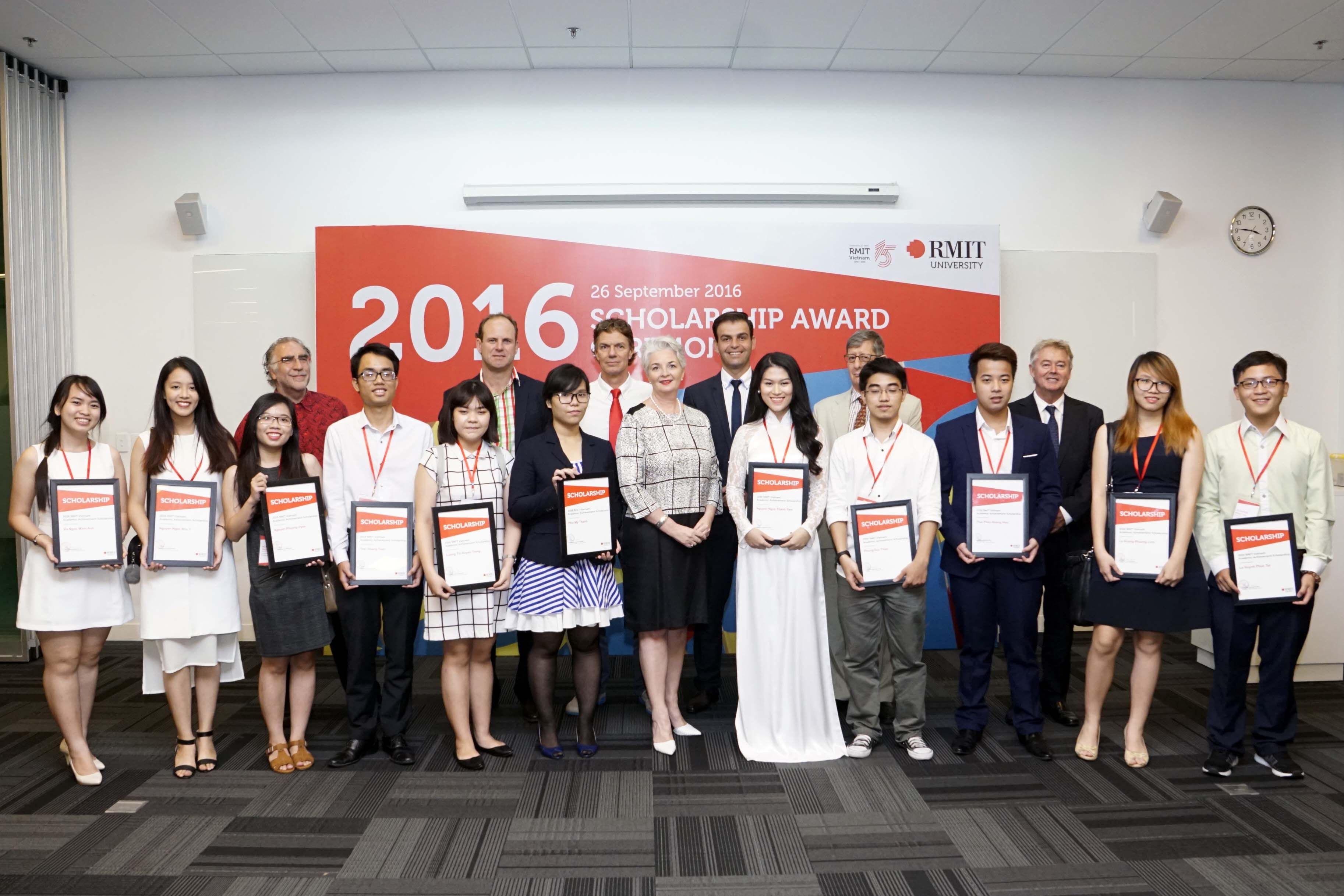 RMIT Vietnam announces winners of scholarships