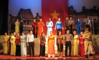ninh binh hosts traditional opera festival