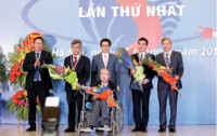 tran dai nghia award honors best scientists