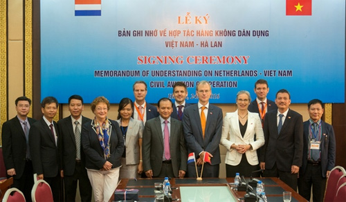 vietnam signs mou on civil aviation cooperation with netherlands