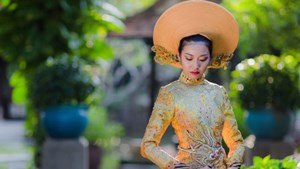 Thuy Van charming in Ao dai at Miss International 2015