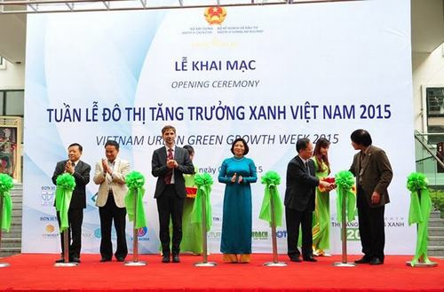 Hanoi opens Vietnam Urban Green Growth Week 2015